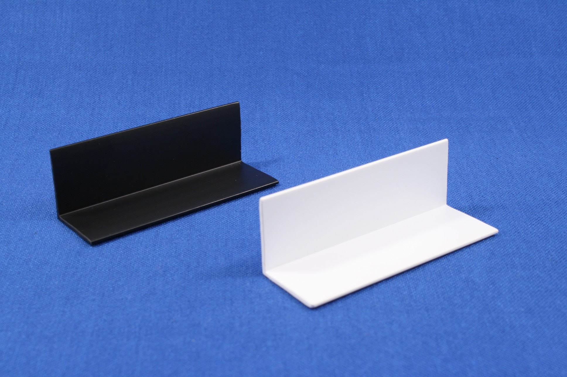 Right Angle Channel : In right angle mm l channel extrusions